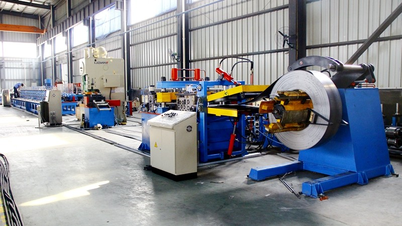Post &pallet racking roll forming machine