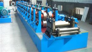 Counter bracing roll forming machine